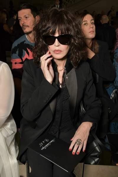Isabelle Adjani était toute de noir vêtue