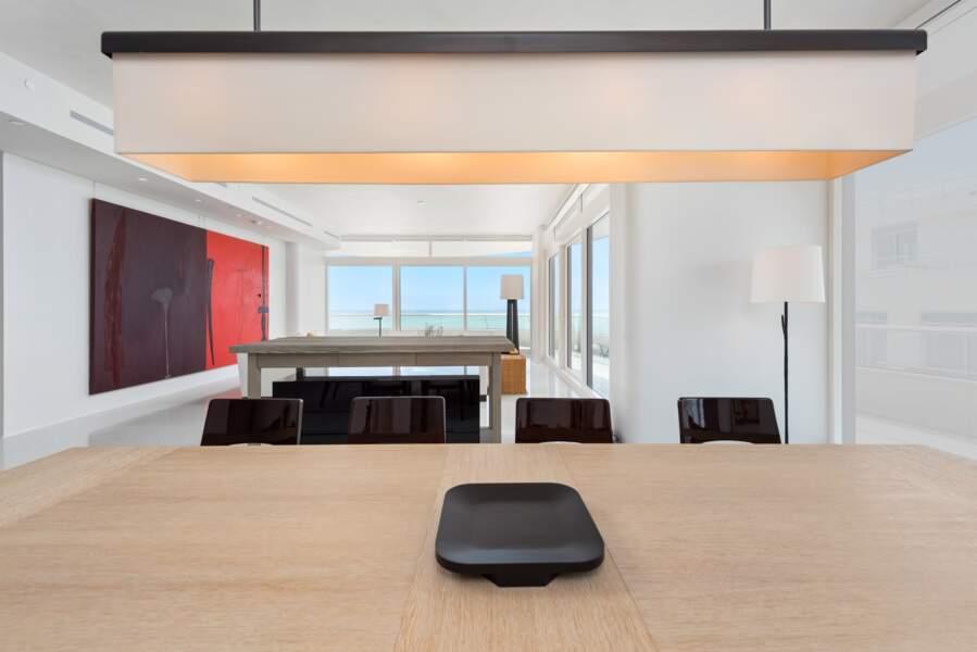 La résidence a été imaginée par l'agence d'architecture britannique Foster + Partners