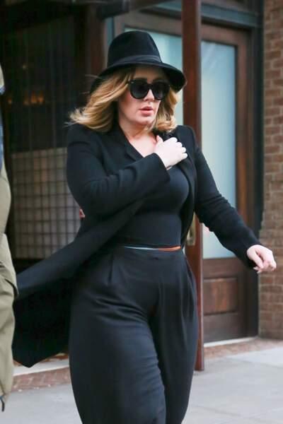 La chanteuse Adele à la sortie de son hôtel à New York, le 14 novembre 2015