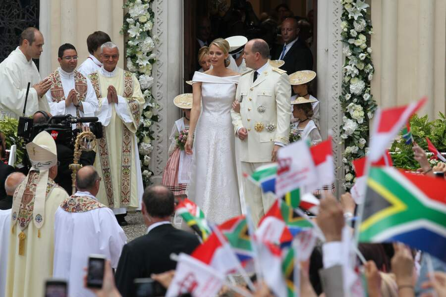 Mariage d'Albert de Monaco et Charlène (en robe Armani) le 2 juillet 2011 en la chapelle Sainte-Devote