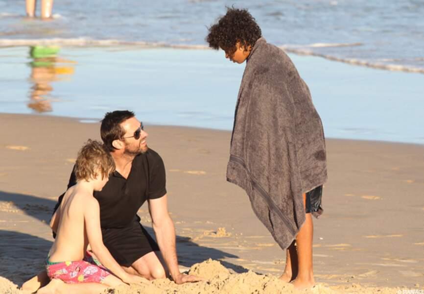 Actuellement en plein tournage de The Wolverine, à Sydney, en Australie, Hugh profite de ses moments de repos pour