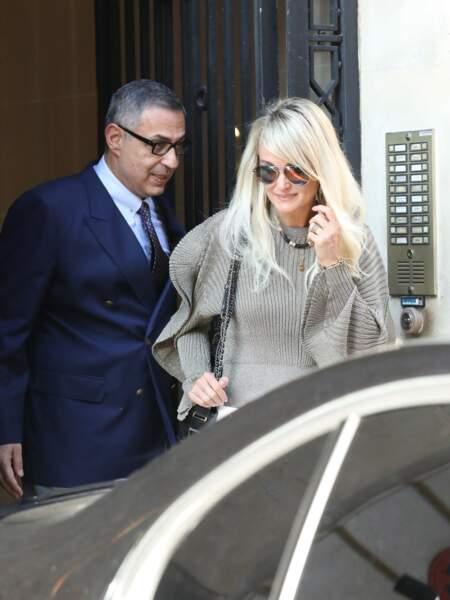 Laeticia Hallyday et son avocat : un marathon promotionnel l'attend à Paris pour la sortie de l'album de Johnny