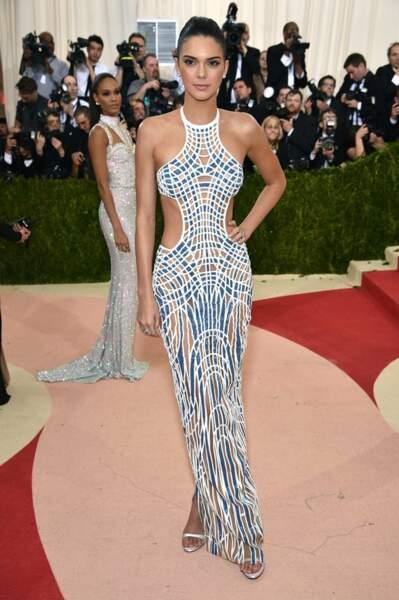Kendall Jenner en Atelier Versace