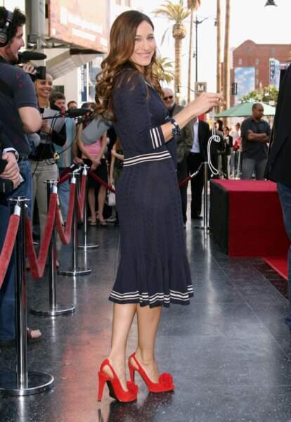 En 2006 sur le Walk of Fame, l'actrice Sarah Jessica Parker tout sourire dans la version navy