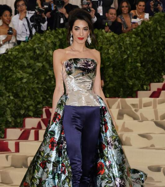 Amal Clooney (40 ans), l'épouse de George Clooney, fait sensation à chacune de ses apparitions.