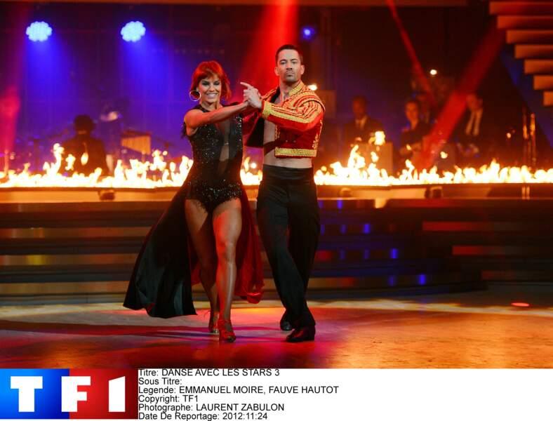 """Emmanuel Moire et sa partenaire Fauve Hautot, sur le plateau de la saison 3 de """"Danse avec les Stars"""" (2012)"""