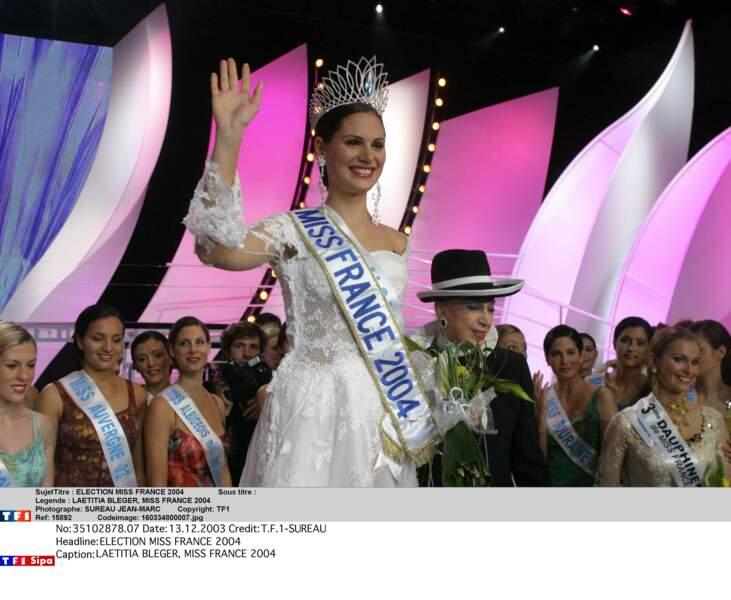 L'Alsacienne Laetitia Bléger, couronnée Miss France 2004, en décembre 2003.