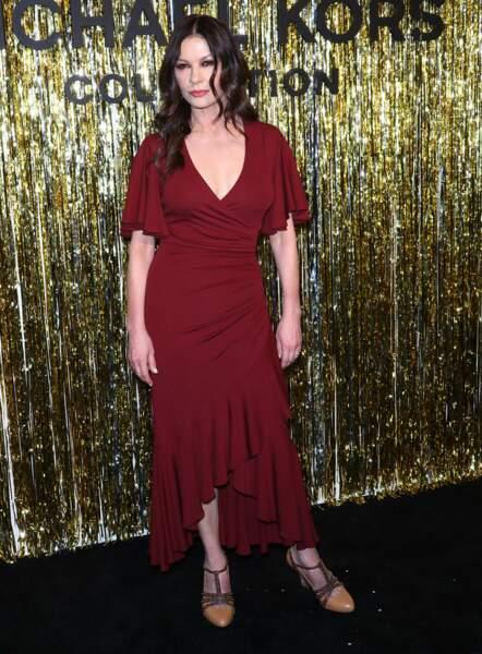 Catherine Zeta-Jones toujours aussi séduisante à 49 ans
