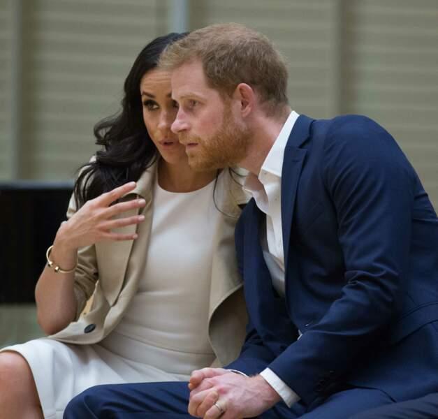 Le prince Harry, et sa femme Meghan Markle, à l'Opéra de Sydney en Australie lors de leur première tournée officiel