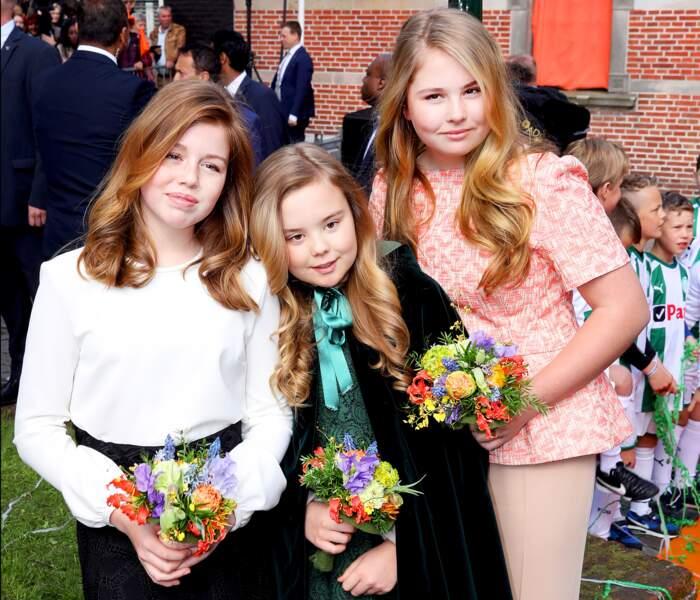 Les princesses Amalia, Ariane et Alexia assistent à la fête du Roi à Groningen le 27 avril 2018