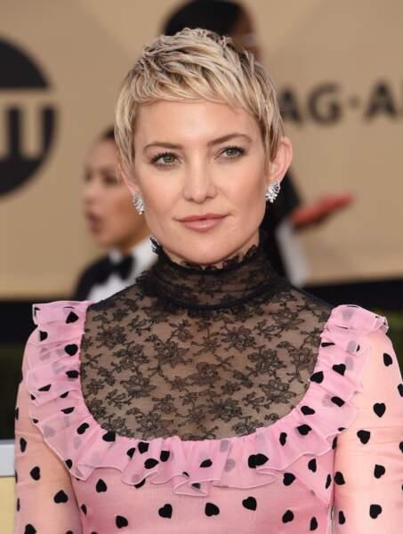 La coupe courte méchée de Kate Hudson