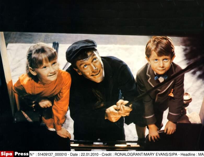 Karen Dotrice (Jane Banks), Dick Van Dyke (Bert) et Matthew Gerber (Michael Banks)