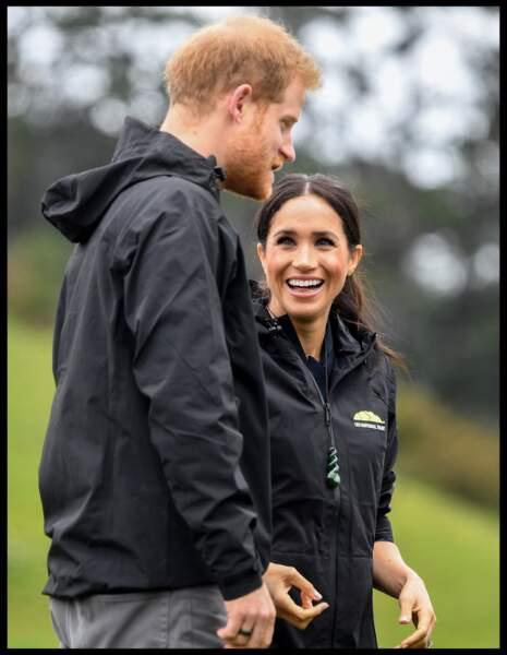 Meghan Markle parcourt le monde aux côtés de son époux le prince Harry. Ici le couple est en Nouvelle-Zélande