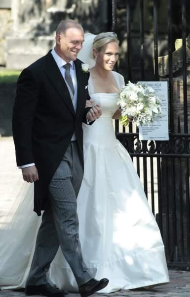 Mariage de Mike Tindall et Zara Phillips (en robe Stewart Parvin) à Edimbourg en Ecosse le 30 juillet 2011