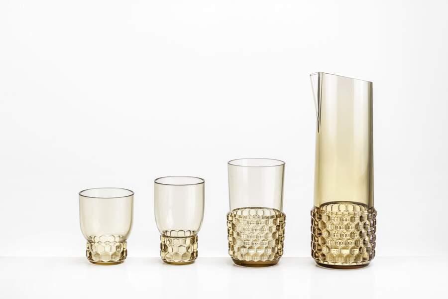 "Carafe et verres ""Jellies Family"" by Patricia Urquiola,49€30 la carafe et 54€40 le set de 4 verres, kartell.com"