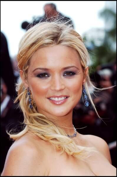 2006 : Virginie Efira se cherche un peu côté look ici à Cannes