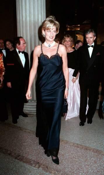 La princesse Diana fait sensation au Met Gala en 1995