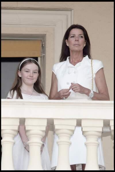 Alexandra de Hanovre et sa mère Caroline au balcon du palais princier monégasque le 23 juin 2010