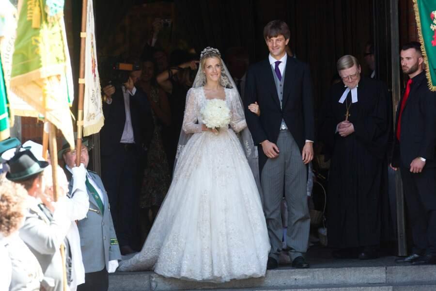 Mariage du prince Ernst August Jr et de Ekaterina (en robe Sandra Mansour) à Hanovre le 8 juillet 2017