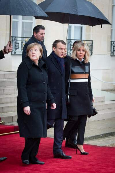Brigitte Macron en manteau Louis Vuitton