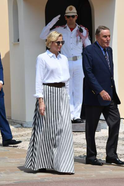Charlène de Monaco dans un look très graphique et chic