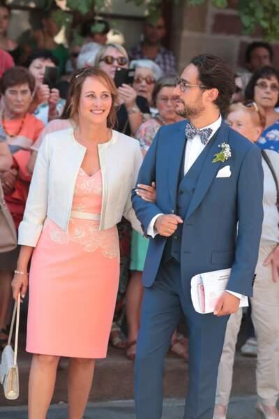 Thomas Hollande avec sa mère Ségolène Royal le jour de son mariage ce 8 septembre 2018.