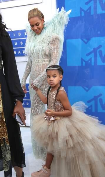 Blue-Ivy Carter et ses longues tresses comme sa maman Beyoncé..