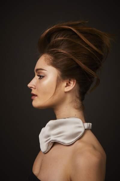Optez pour des baumes et des onguents à laisser poser toute la nuit pour des cheveux rayonnants au réveil.