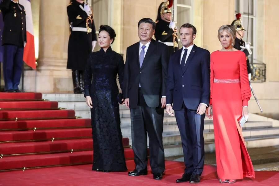Emmanuel et Brigitte Macron reçoivent le couple présidentiel chinois à l'Elysée, le 25 mars 2019
