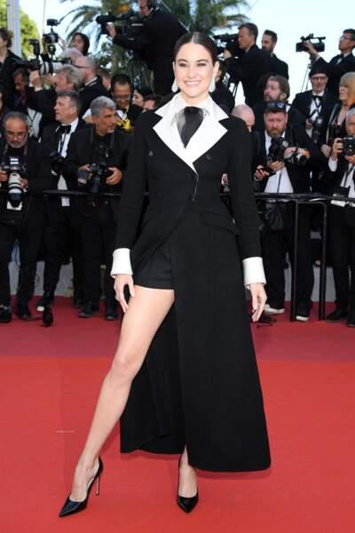 SHAILENE WOODLEY dévoile des jmabes sublimes en Dior