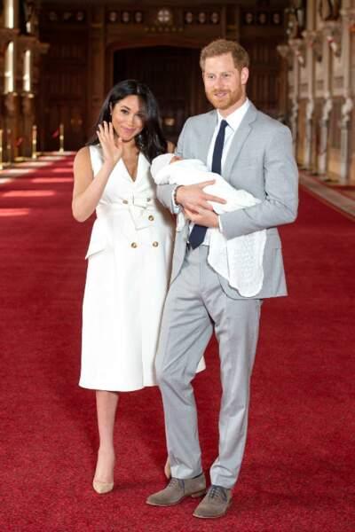 Le Prince Harry et Meghan Markle lors de la présentation du petit Archie.