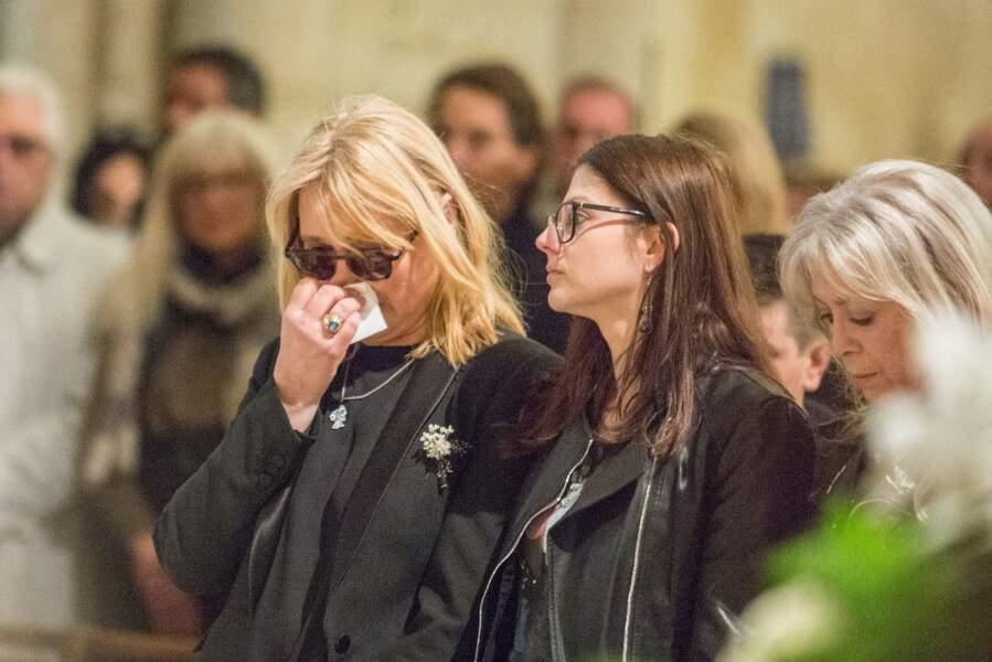 Natala Rivers en larmes aux obsèques de Dick Rivers