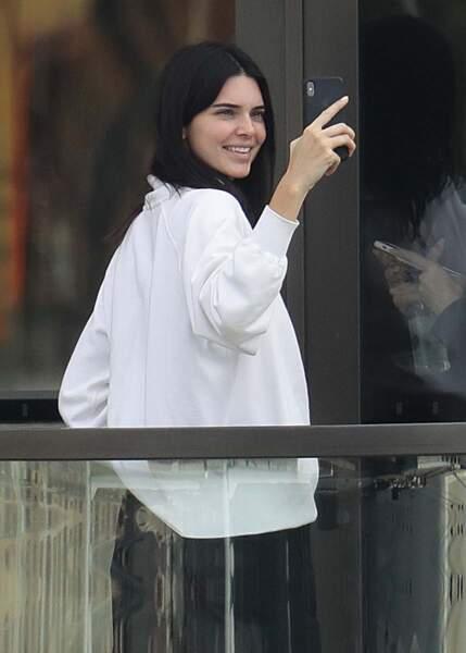 """La mannequin Kendall Jenner assume son acné depuis peu mais a subit les moqueries lors de son """"coming out"""""""