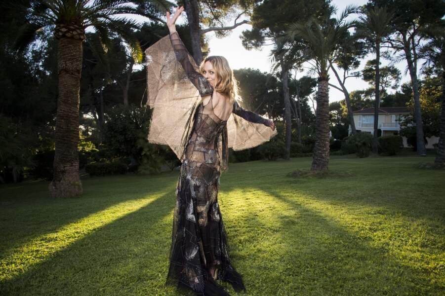 Vanessa Paradis en Chanel Haute Couture, bijoux Chanel Joaillerie, mise en beauté Chanel