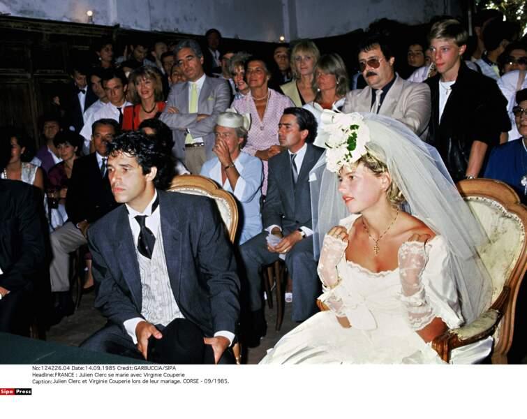 En 1985, Julien Clerc se marie en Corse avec la cavalière Virginie Couperie