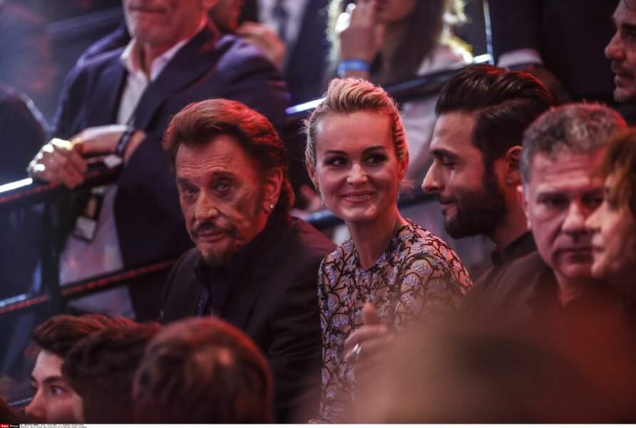 Johnny, Laeticia et Maxim Nucci complices aux Victoires en 2016