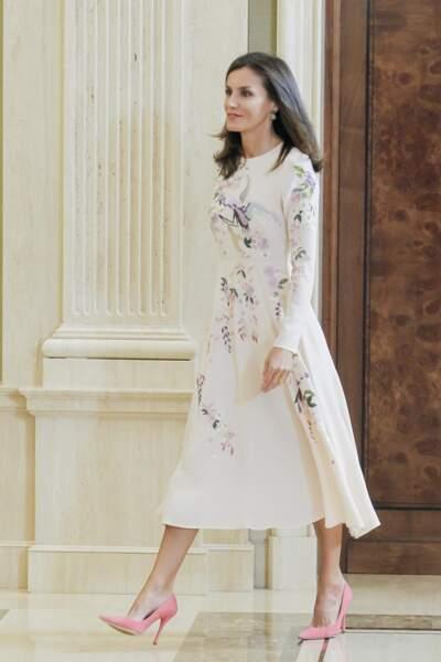 Letizia d'Espagne en robe fleurie brodée Asos à Madrid, le 8 juillet 2019