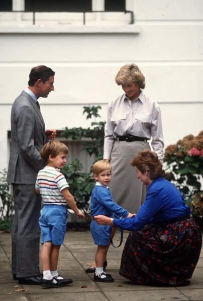 Le Prince Charles, la Princesse Diana, le Prince William et le Prince Harry en 1986