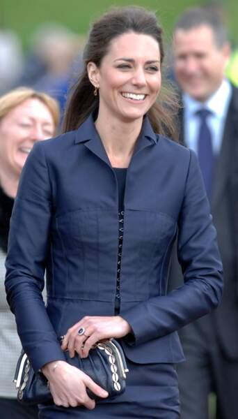Kate Middleton s'est fiancée avec son amour de jeunesse, le prince William, qu'elle a épousé le 29 avril 2011
