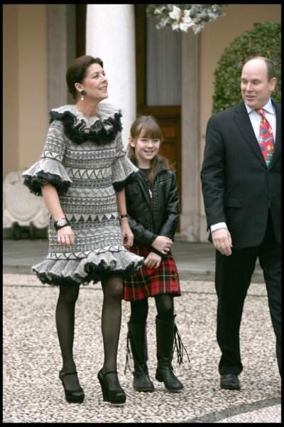 Alexandra de Hanovre, sa mère Caroline et le prince Albert le 16 décembre 2009
