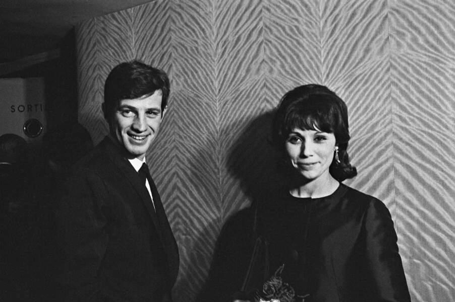Jean-Paul Belmondo et sa première épouse Élodie, en 1962