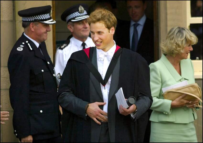 Le Prince William reçoit son diplôme de l'Université de St Andrews le 23 Juin 2005