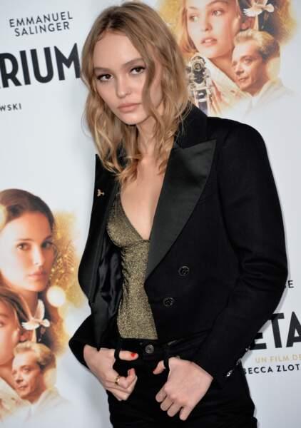 Lily-Rose Depp pose comme sa mère Vanessa Paradis en 2016 pour le film Planetarium
