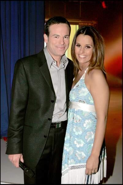Faustine Bollaert souriante en robe d'été le 14 février 2006