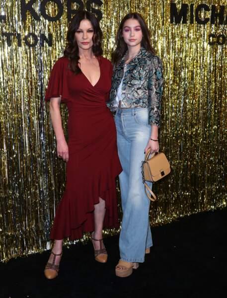 Catherine Zeta-Jones et  sa fille Carys : un duo mère-filles qui se ressemble de plus en plus