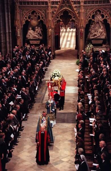 Des funérailles nationales à l'abbaye de Westminster pour la princesse du peuple