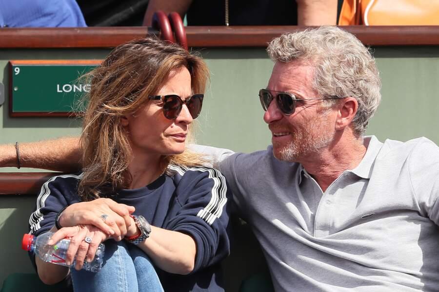 Denis Brogniart et sa femme Hortense dans les tribunes de Roland Garros à le 29 mai 2018