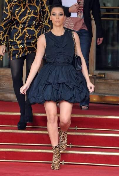 Fidèle à ses goûts de luxe, lorsqu'elle séjourne à Paris, Kim Kardashian dort au Ritz