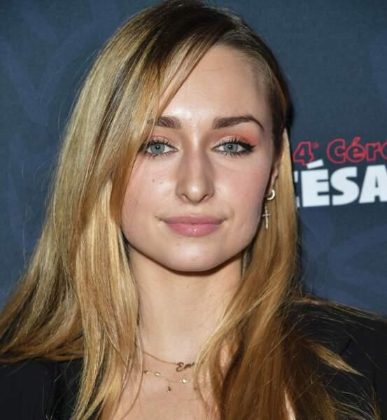 Maquillage de sirène irisé pour Emma Smet