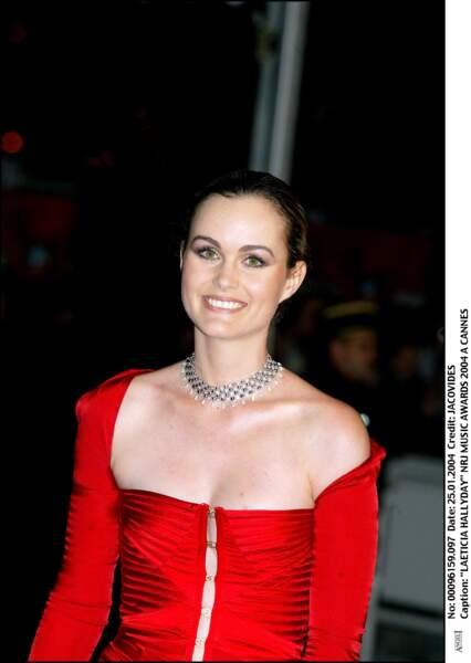 En 2004 sur le tapis rouge des NRJ Music Awards, sa chevelure châtain attachée en chignon pour un effet ultra chic